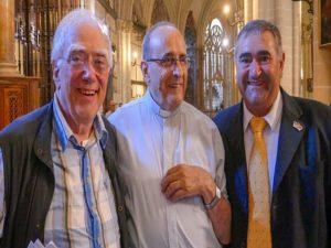 Hans-Werner Fröhlich-Don Jose Martin Saavedra und Jose Sanchez in der Kathedrale von Toledo-2
